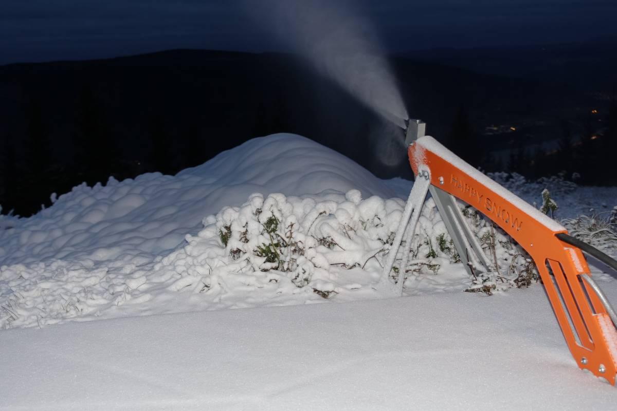 happy snow 1 1200x800(3)